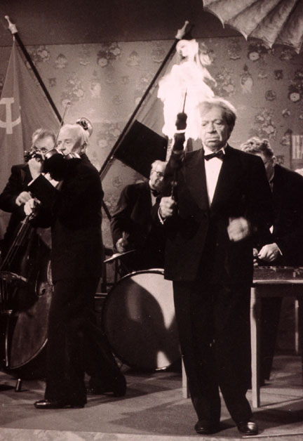 Photo of Frederick Hollander performing in Billy Wilder's film '1-2-3'