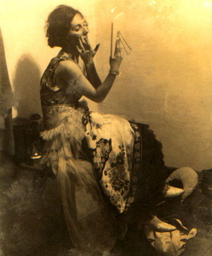 Publicity photo of Blandine Ebinger
